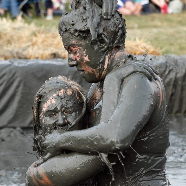 MudWrestling_1