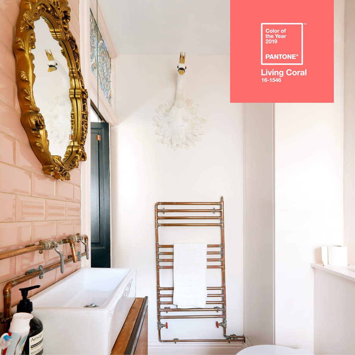 Living Coral Pantone Colour of the Year 2019 bathroom pink